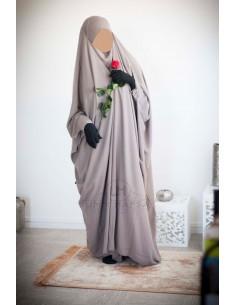 Saudi Jilbab mit Druckknöpfen Umm Hafsa - Taupe